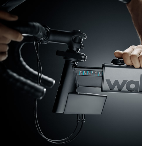 Wahoo KICKR BIKE - Előrenyúlás beállítása