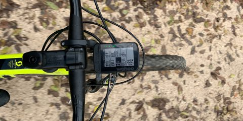 Wahoo ELEMNT Roam vs Garmin Edge 1030